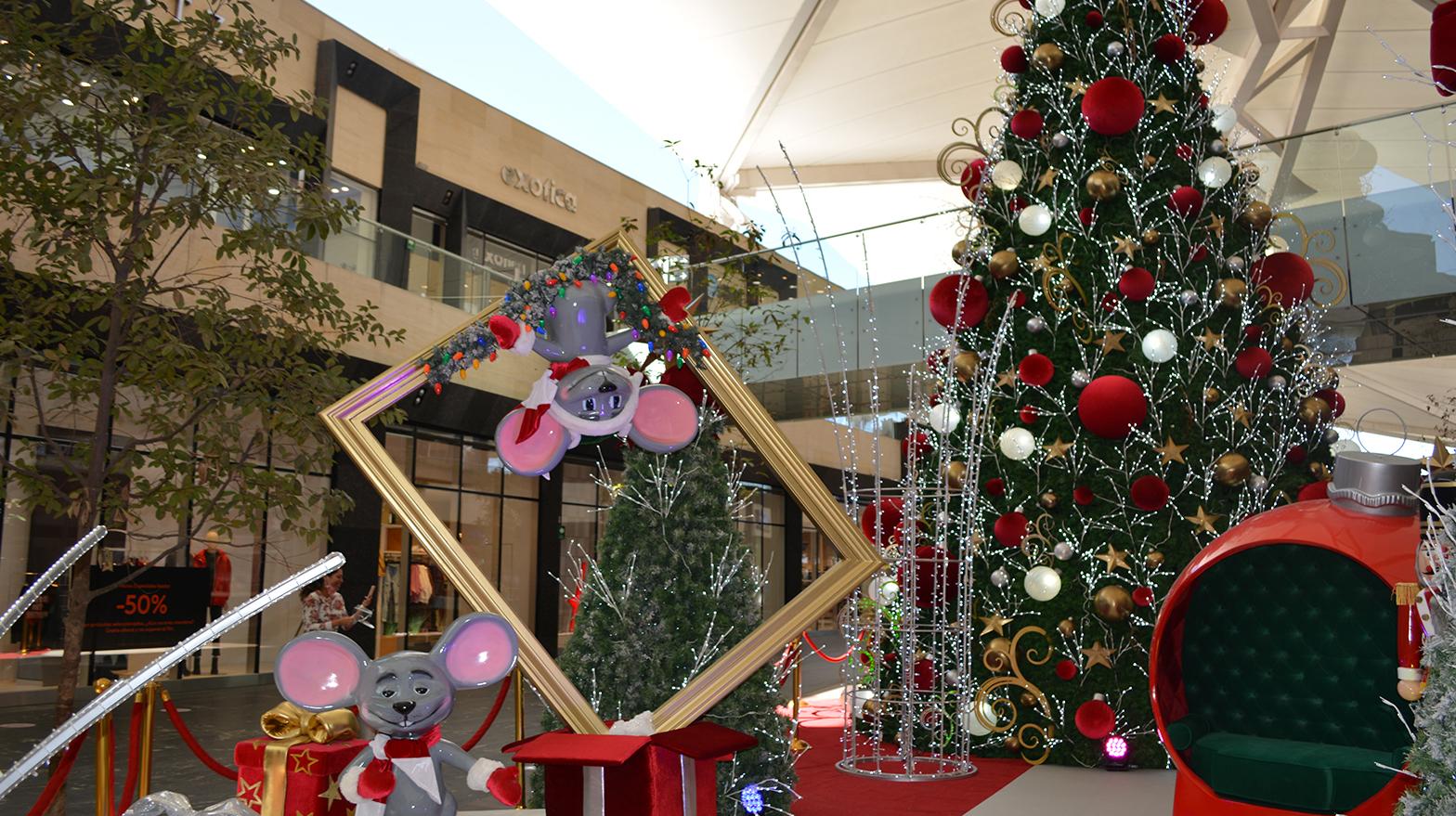 Llegó La Navidad a Esfera Monterrey