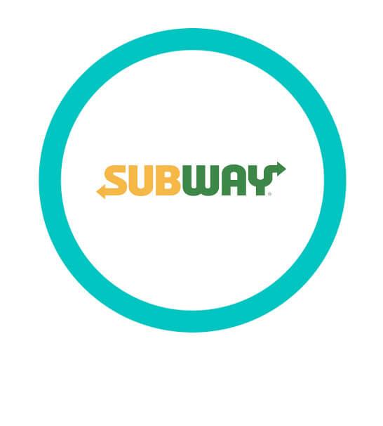 Subs de milanesa de pollo dese $42  - Subway