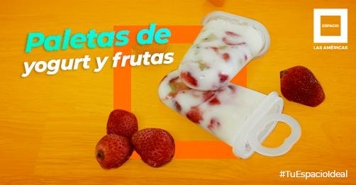 Paletas de yogurt griego, fresa y kiwi